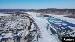 Река Амур, разделяющая Дальний Восток России и китайскую провинцию Хэйлунцзян.