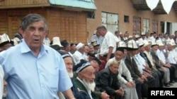 Жалал-Абадда кыргыздар менен өзбектер жарашуу акцияларын өткөрүп жатышат