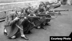Учения женской бригады