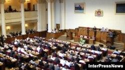 Сейчас все ждут, как отнесется грузинский парламент к обращению участвоваших в конференции черкесских представителей и признает ли он факт совершения Россией геноцида по отношению к черкесам в 19-м веке