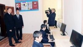 İlham Əliyev Goranboyda məktəbin açılşında, 2012