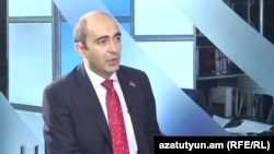 Депутат парламентской фракции «Елк» Эдмон Марукян в студии «Азатутюн ТВ», Ереван, 12 июня 2017 г.