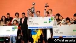 Українська команда QuadSqad після перемоги у фіналі конкурсу Microsoft Imagine cup. Сідней, 10 липня 2012 року