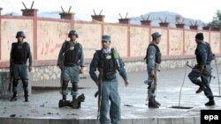 Hüjümde owgan polisiýasynyň 10 işgäri öldürildi.