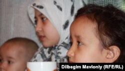 Children of Uzbek asylum seekers pictured in September 2010