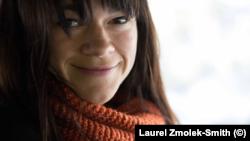Лоръл Змолек-Смит