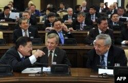 Парламент сессиясынан көрініс. Астана, 14 қаңтар 2011 жыл. (Көрнекі сурет).