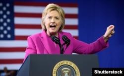 Демократиялық партия атынан сайлауға түсіп жатқан Хиллари Клинтон. АҚШ, 5 шілде 2016 жыл.