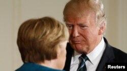 Канцлер Німеччини Анґела Меркель (л) і президент США Дональд Трамп