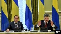 Архивное фото: Стефан Левен и Петр Порошенко в Киеве, 11 марта 2015 года