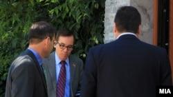 Američki ambasador u Skoplju Džes Bejli (u sredini)