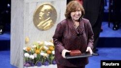 سوتلانا آلکسیویچ سال ۲۰۱۵ جایزه نوبل ادبیات را از آن خود کرد