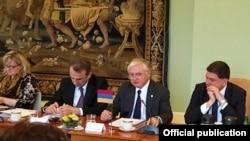 ՀՀ ԱԳ նախարար Էդվարդ Նալբանդյանը ելույթ է ունենում ԵՄ Արևելյան գործընկերության և Վիշեհրադյան քառյակի նախարարական հանդիպմանը, Պրահա, 4-ը մայիսի, 2016թ․