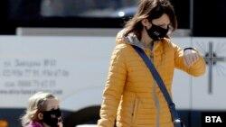Заповедта за носене на маски на обществени места бе отменена