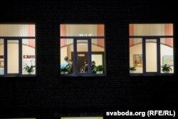 12 лютага заняткі ў стаўпецкай школе №2 аднавілі пасьля двайнога забойства