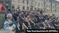 По словам шахтеров, протест в Ткибули не прекратится до тех пор, пока будущее «Грузугля» не станет более определенным