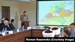 Роман Назаренко на лекції в Ісламському культурному центрі у Києві про мусульманські спільноти Нідерландів