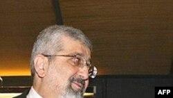 علیاصغر سلطانیه، نماینده ایران در آژانس بینالمللی انرژی اتمی، که گفته میشود با نماینده اسرائیل بر سر یک میز نشسته است.