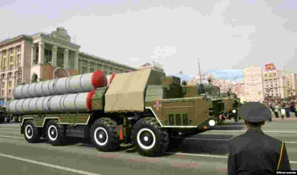 Військовий парад з нагоди Дня Незалежності 24 серпня 2008 року в Києві (фото з офіційного сайта Президента України) - Парад День Незалежності 8
