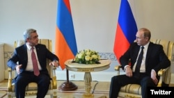 Серж Саргсян (слева) и Владимир Путин, Санкт-Петербург, 20 июня 2016 г․