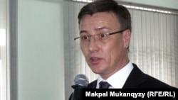 Республикалық қан құю орталығының директоры Дилявер Бекиров. Алматы, 18 қазан 2011 жыл.