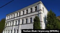 Здание бывшей гостиницы «Россия» в Балаклаве