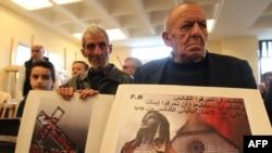 في قداس في كنيسة القديس جورج في الجديدة شمال بيروت بحضور آشوريين من العراق وسوريا