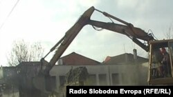 Уривање на старите куќи во Охрид