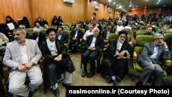 حسین فدایی (نفر اول از چپ) به همراه چند چهره اصولگرای دیگر، در همایش همگرایی اصولگرایان در مهرماه ۹۳