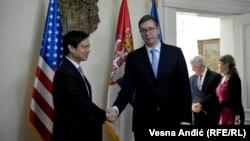 Гойт Брайян Йі і прем'єр-міністр Сербії Александр Вучіч