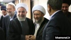 حسن خمینی، صادق لاریجانی، حسن روحانی و محمود هاشمی شاهرودی در دفتر رهبر جمهوری اسلامی