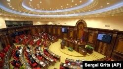 Армения парламенти.