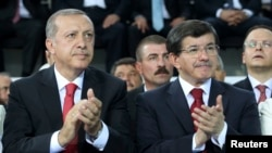 Relations between Turkish President Recep Tayyip Erdogan (left) and Prime Minister Ahmet Davutoglu (right) have been strained in recent times.