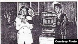 Киничи Камиясу (справа) с женами мафиози Геннадия Петрова и Сергея Кузьмина, Петербург