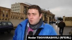 Тазо Купреишвили, журналист «Нетгазети», часто освещавший разные судебные процессы, сегодня предстал в суде в качестве пострадавшего