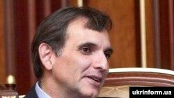 Директор з питань зовнішньополітичних досліджень Інституту Брукінгс США Карлос Паскуаль