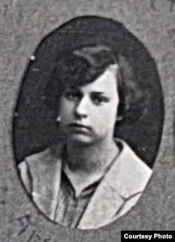 Натальля Арсеньнева – студэнтка Беларускіх курсаў у Вільні. 1921 г. БДАМЛМ