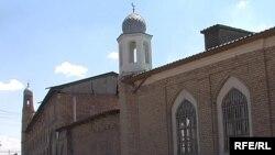 Здание мечети «Джами», или, как ее называют в народе, мечети «Кошкар Ата», в Шымкенте.
