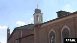 """Шымкент қаласындағы """"Қошқар Ата"""" мешіті. 2009 жыл."""