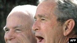 Эксперты увидели в речи Маккейна желание дистанцироваться от политики Буша