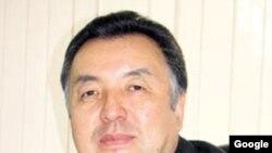 Qirg'izistondagi Norin viloyatining sobiq gubernatori, general-polkovnik Shamsibek Medetbekov o'zbek tilida gazeta chiqardi.
