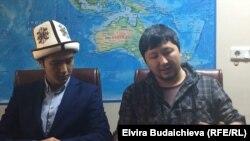 Эрлан Байанов кыргызстандык студенттер менен чогулушта.