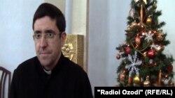 Падар Педро, роҳиби калисои католикии Душанбе