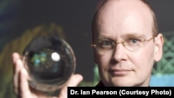 Inginerul și futurologistul britanic Dr. Ian Pearson