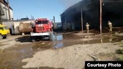 На месте пожара на территории комбината в городе Туркестане. 20 июля 2017 года.
