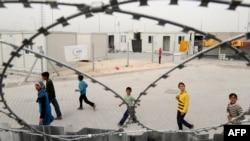 Сириски бегалци во турски камп