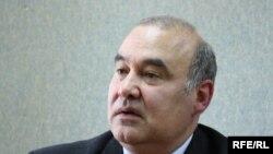 Victor Stepaniuc în studioul Europei Libere în 2010
