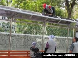 Уборка улиц в Ашхабаде