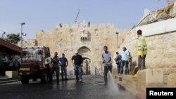У входа в старую часть Иерусалима.