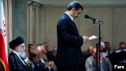 جلسه دیدار مسئولان و کارگزاران نظام جمهوری اسلامی با رهبر جمهوری اسلامی. ۳۱ تیر ۱۳۹۲.